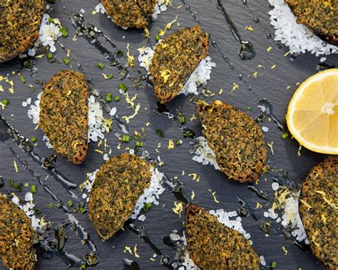 Gusto Worldwide Media - Herby Grilled Mussels