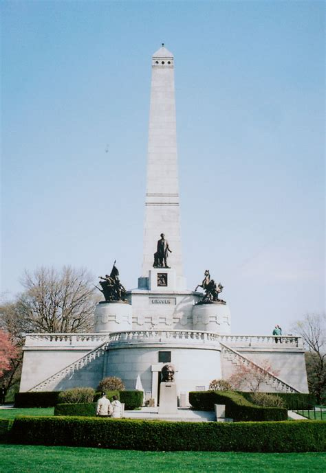 Lincoln's Tomb, Springfield, Illinois - Travel Photos by