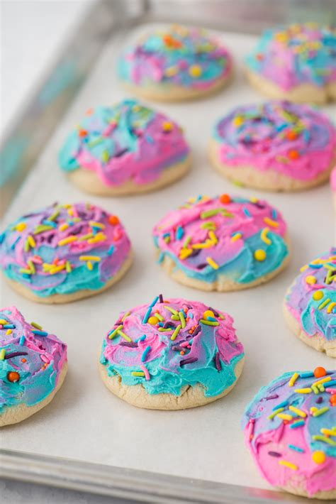 Frosted Sugar Cookies - soft lofthouse style cookies!