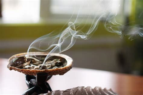 The Power of Smudging: The Different Types of Blessing